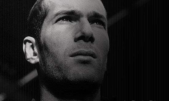 <b>足球明星写真记录精彩时刻</b>